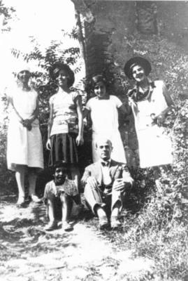Gruppo con poeta Tuscano anni 20